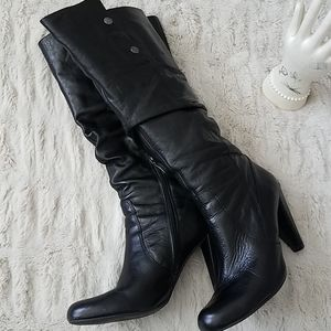 Guess heel boots